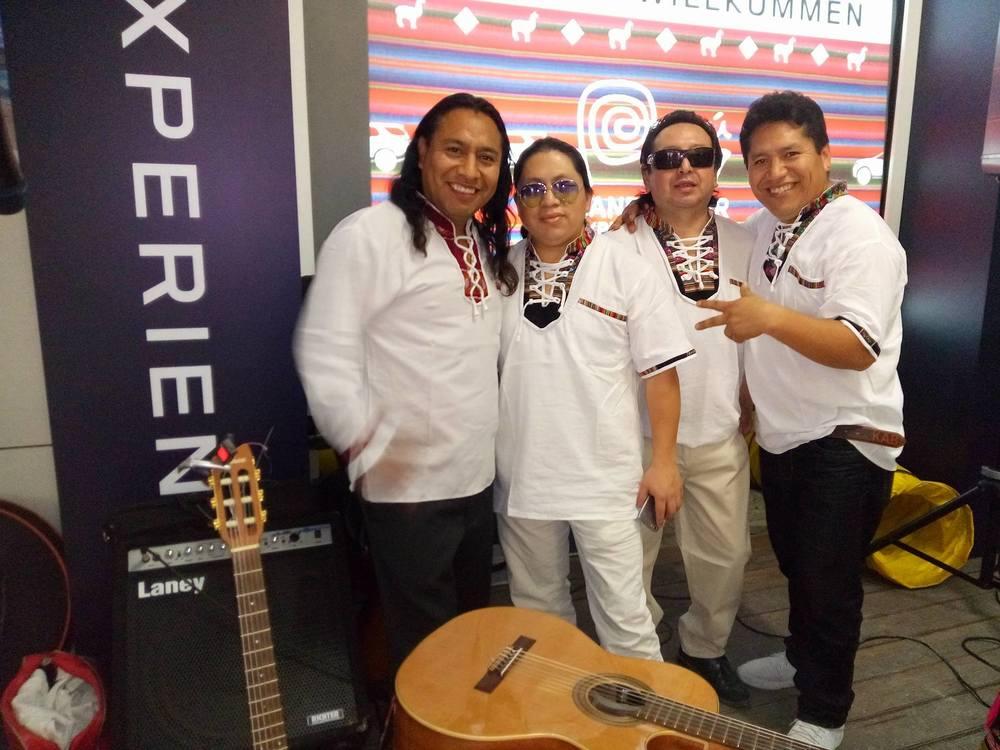 Liveband beim peruanischen Themenabend
