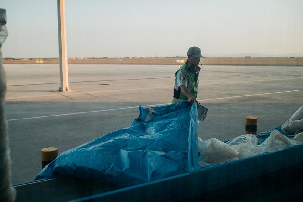 Extra für uns wurde das nagelneue Gepäck-Band ausgepackt!